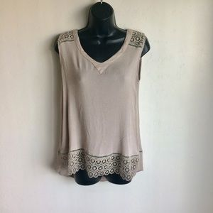Doe & Rae Taupe HiLow Top Crochet Borders Size S